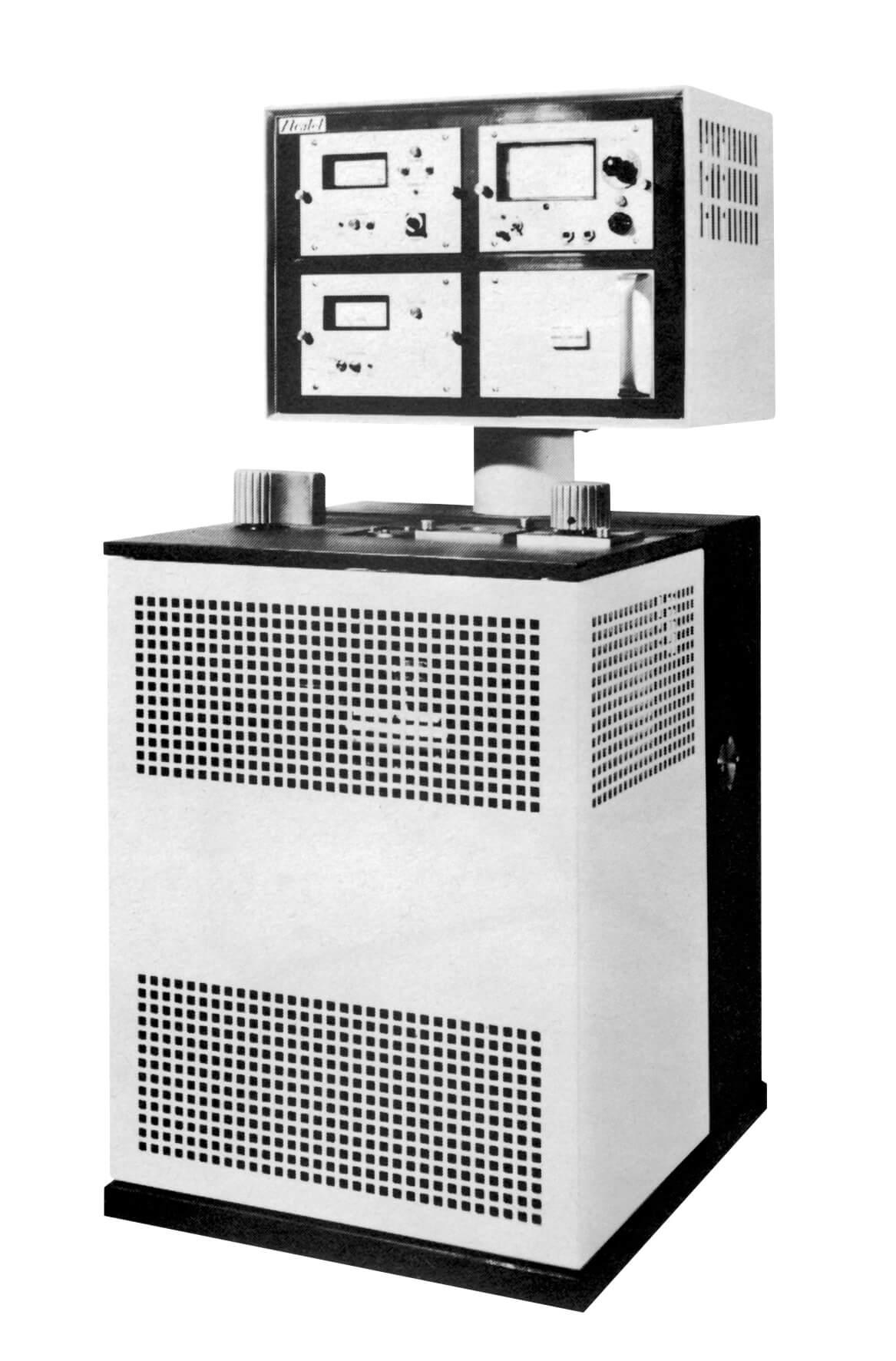 Stand der Technik in 1966: Der ASM 4 von Alcatel.