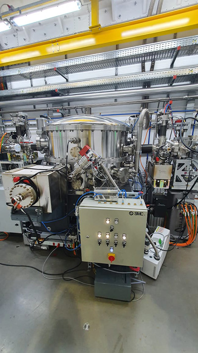Optical hutch of Manacá-Beamline equiped with ACP 28 dry backing pump