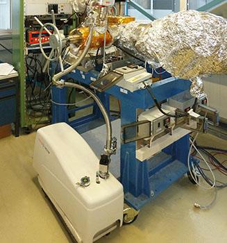 Aufbau zur Qualifizierung einer Pumpkombination aus ACP Vorpumpe und HiPace Turbopumpe
